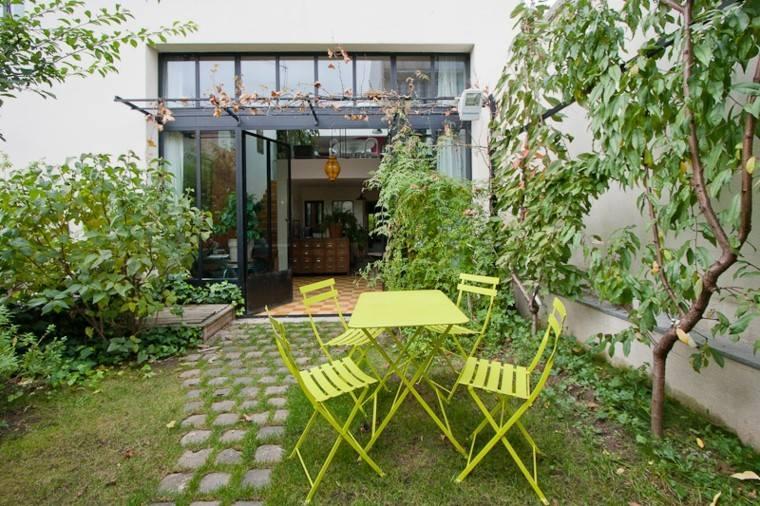 patio terraza muebles amarillos metal