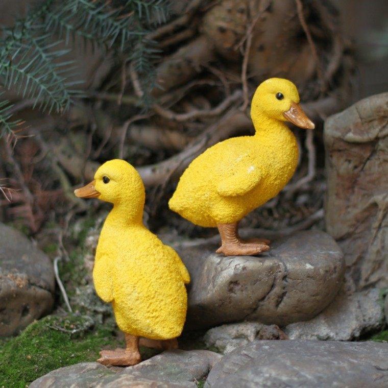 patos amarillos decorativos jardin