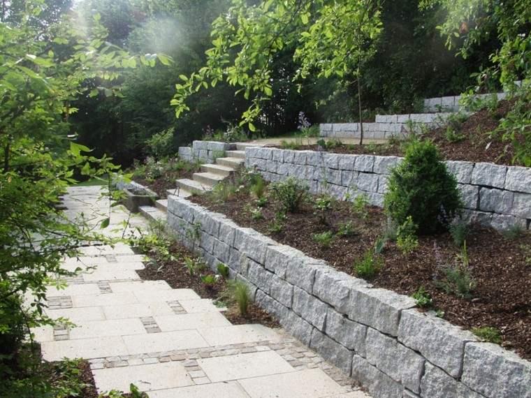 pendiente mantillo diseño jardin terraza