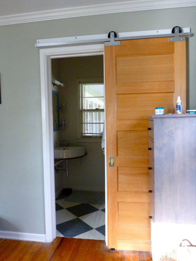 Puertas correderas de madera para el cuarto de ba o Puertas corredizas banos