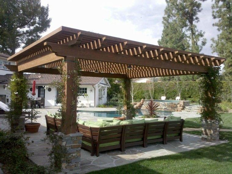 pergola enorme madera maciza sofa