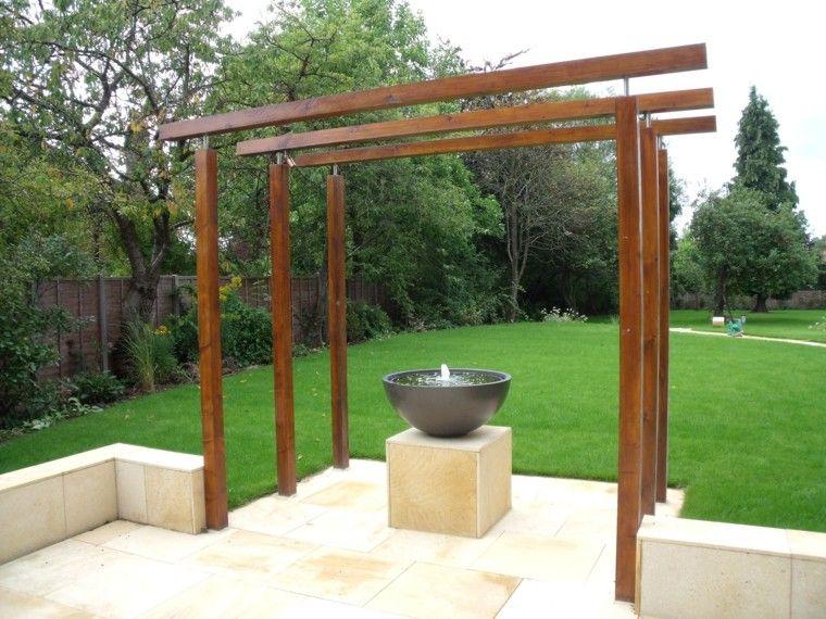 pergola madera fuente moderna jardin