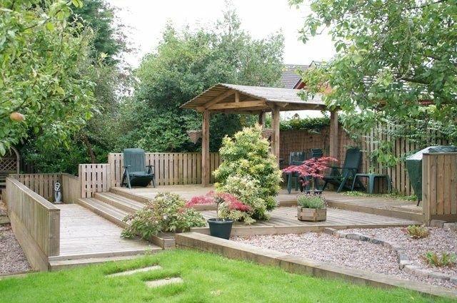 pergola madera porche jardin plataforma