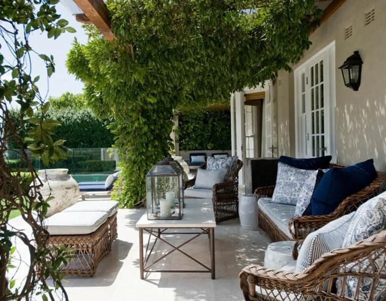 cerrar patio interiores ideas para terrazas patios o balcones acogedores