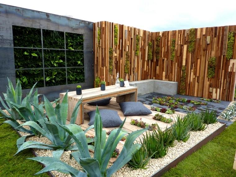 Las arenas y gravillas m s adecuadas para decorar jardines for Patios decorados con plantas