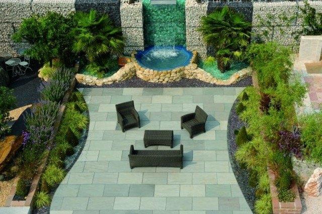 plaza grande muebles jardin fuente