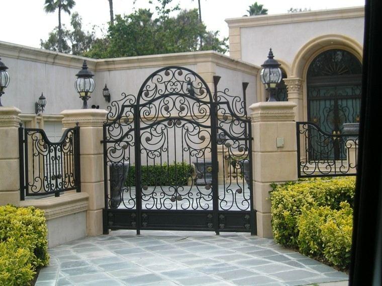 puerta delantera grande valla metalica negra ideas