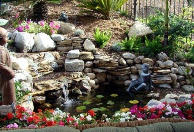 rocalla jardin estanque plantas flores