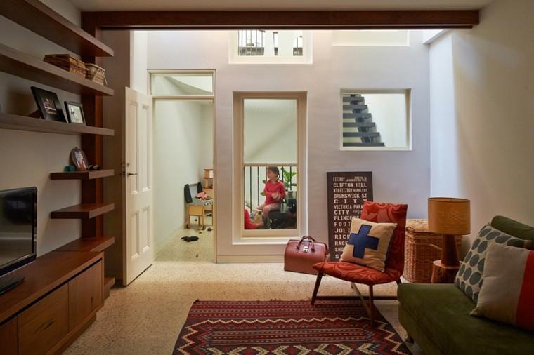 salon diseno estanterias madera sofa pequena ideas