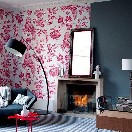 salon moderno chimenea papel pared pajaros espejo