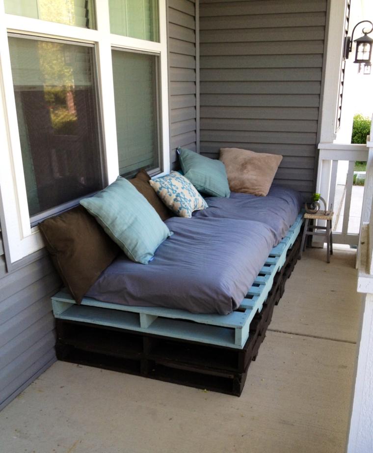 Muebles hechos con palets de madera cincuenta ideas for Sofa terraza madera