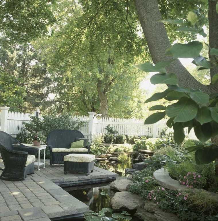 terraza agua muchas plantas naturalidad preciosa ideas