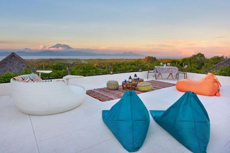 terraza muebles interesantes alfombra colores ideas