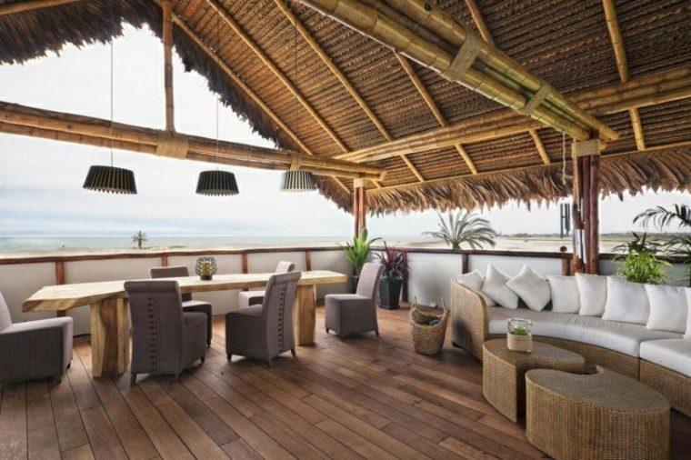 terraza preciosa vistas mar mesa madera ideas