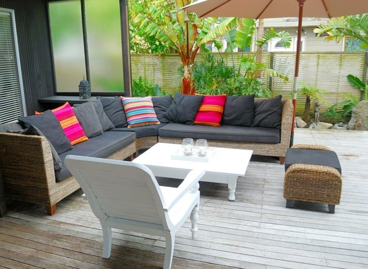 Jardines y terrazas 75 ideas creativas de dise o que inspira - Decoracion pared exterior ...