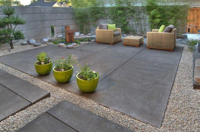 terraza suelo piedra macetas verdes decorativas ideas