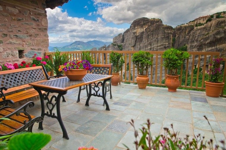 Jardines y terrazas 75 ideas creativas de dise o que inspira for Macetas decoradas para jardin
