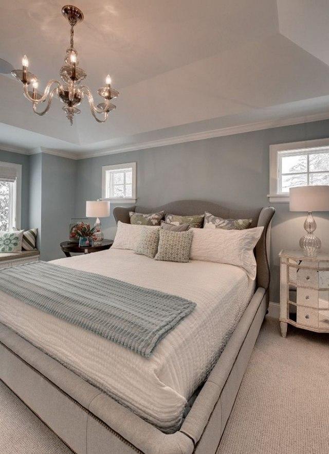 Paleta de colores para el dormitorio es hora de un cambio Pale grey master bedroom