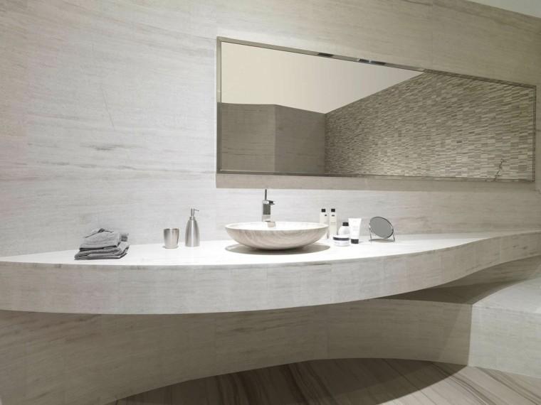 trabertino baño pared azulejos cubierta