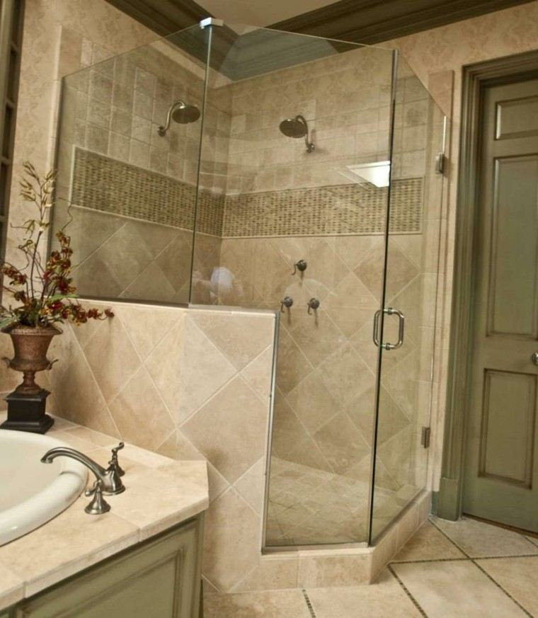 trabertino pulido marron baño ducha