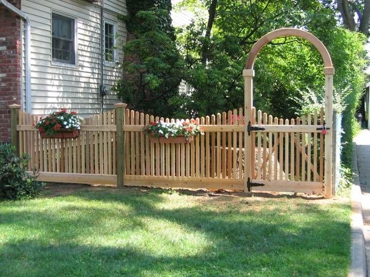 valla madera puerta macetas colgadas ideas moderna