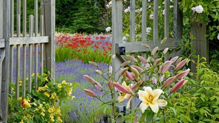vallas madera puertas flores jardin ideas