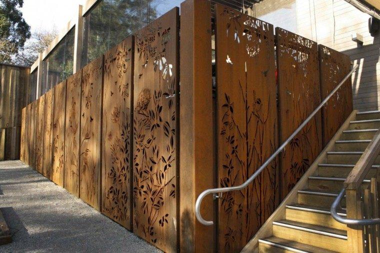 Vallas de madera y vallas met licas para el jard n for Reja para jardin vertical