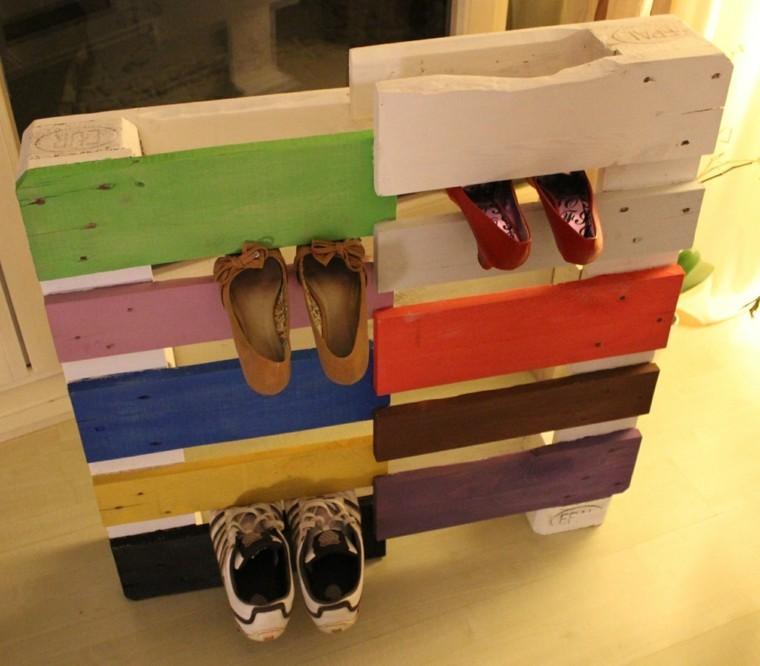 Muebles hechos con palets de madera cincuenta ideas for Zapateras de madera sencillas