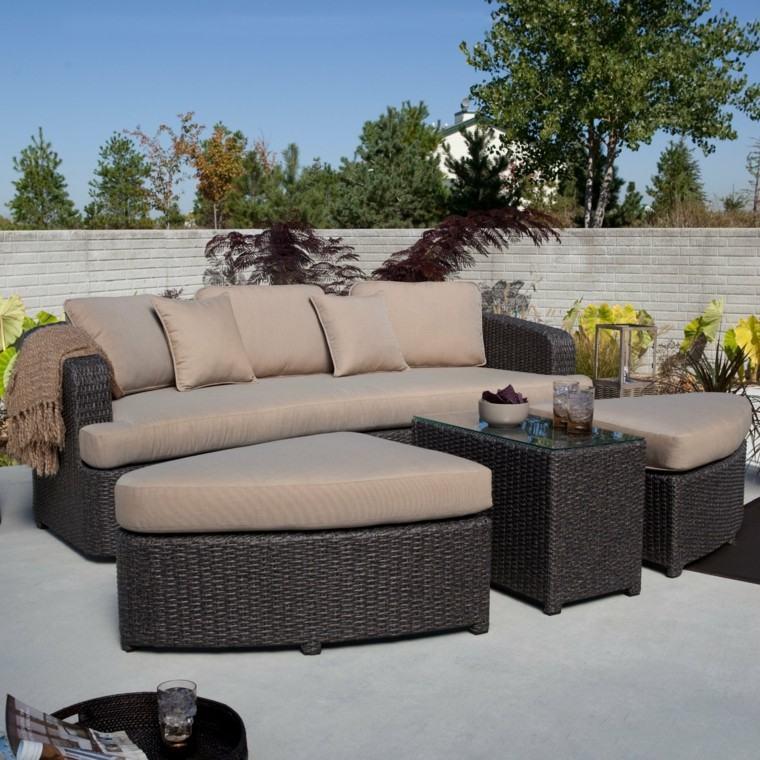 sofas cojines marron jardin valla alta