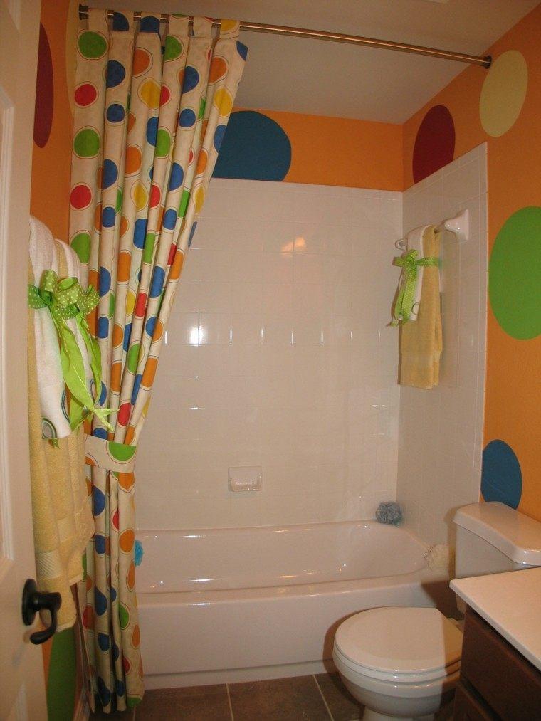 accesorios baños pequeños colores vibrantes cortina ideas