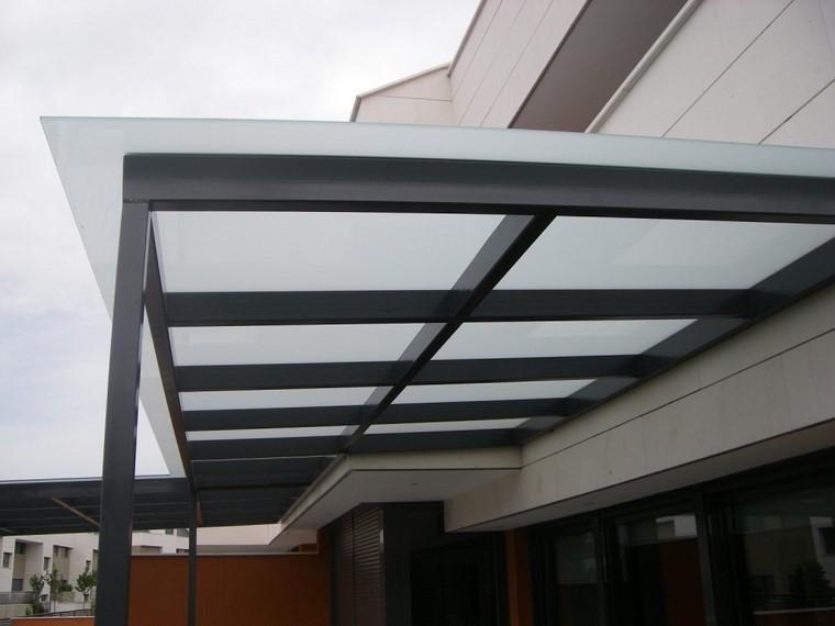 P rgolas jardines terrazas con estilo muy modernas for Tejados de madera modernos