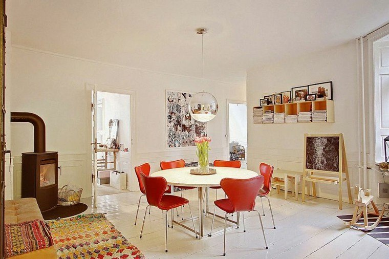 apartamento diseno escandinavo comedor sofa naranja ideas
