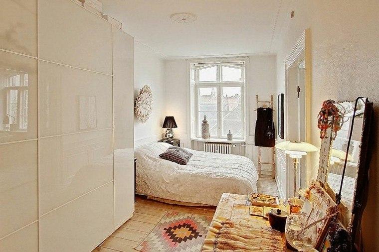 apartamento-diseno-escandinavo-dormitorio-estrecho