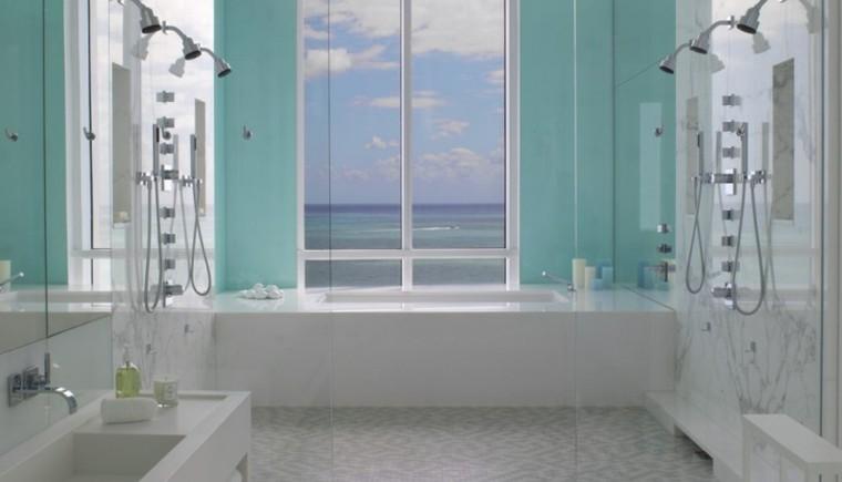 baño diseño lujoso varias duchas
