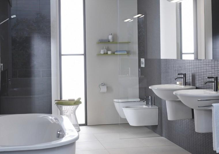baño estilo moderno azulejos grises