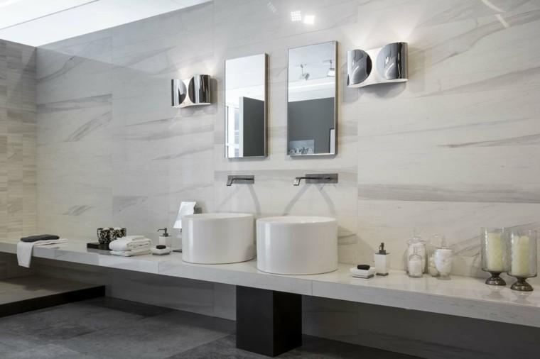 Pisos Para Baños Blancos:azulejos grandes de símil de mármol