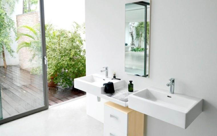 baño moderno estilo minimalista blanco