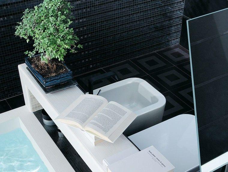 baño color negro libro abierto