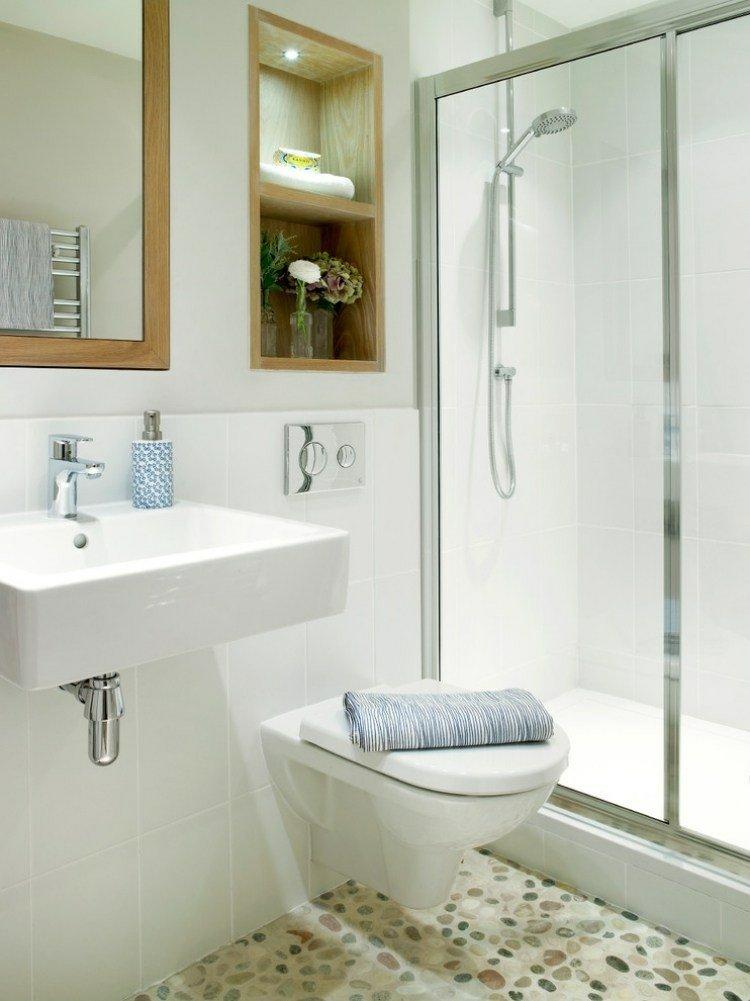 cuarto baño pequeño blanco madera