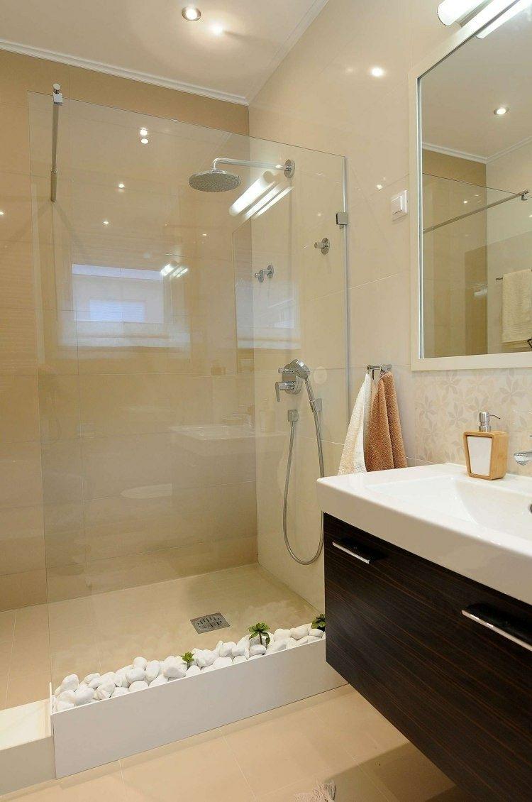 Baño Pintado De Amarillo:Cuarto de baño pequeño de color naranja