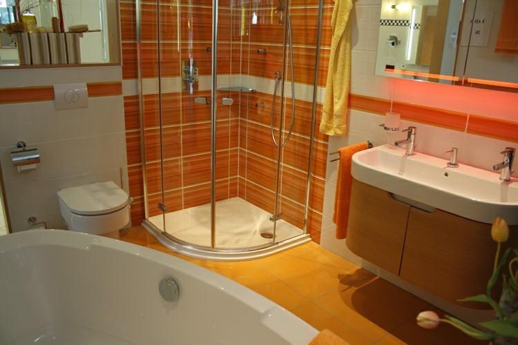 cuarto baño pequeño color naranja