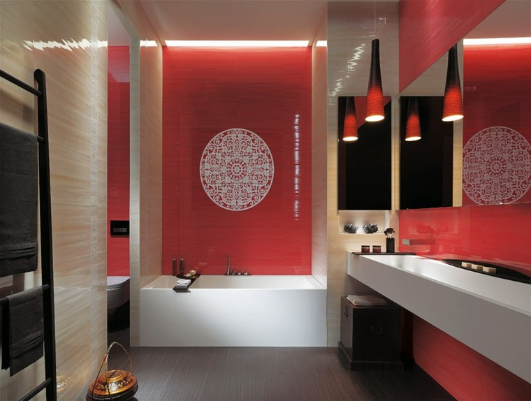 baño color rojo estilo oriental