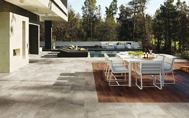 baldosas jardin suelo madera mesa sillas blancas ideas