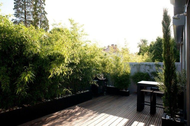 Terraza 50 ideas incre bles para decorarla con plantas - Jardineras con bambu ...