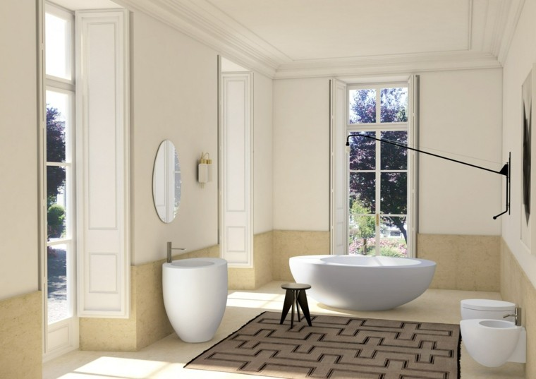 bano amplio banera blanca alfombra decorativa ideas
