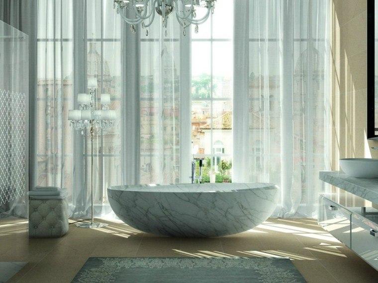 bano lujo banera marmol ventanales cortinas ideas