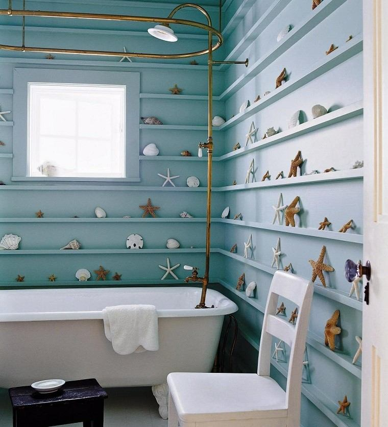bano pequeno estilo decoracion estrellas mar paredes ideas