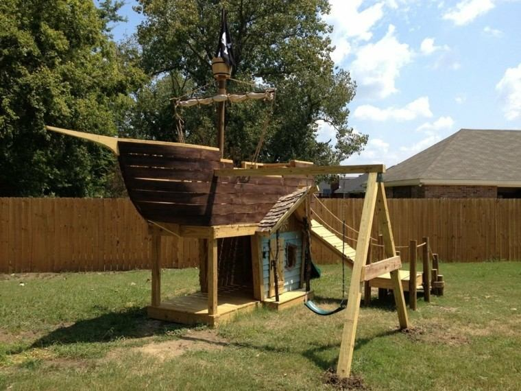 barco pirata madera jardin niños