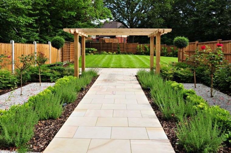 bonito jardin pergola madera paisaje