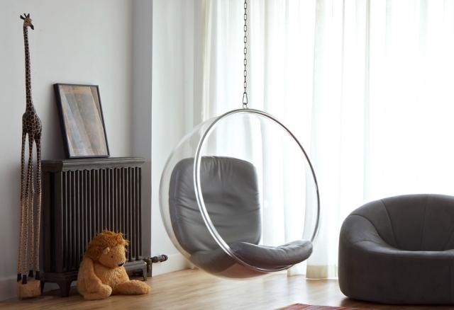 Columpios y sillas colgantes para el jard n 50 ideas for Silla huevo colgante